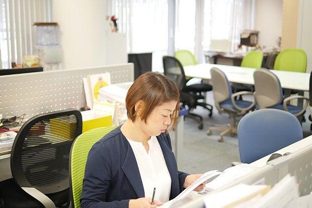 img_article_sushiacademy_deskwork.jpg